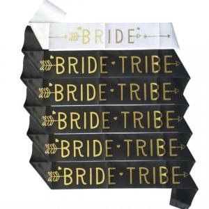 Witte en zwarte bruid sjerpen